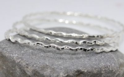 A wave bangle to remind you of the sea